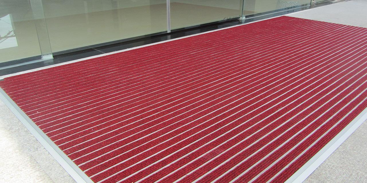 平铺式铝合金地垫怎么安装呢