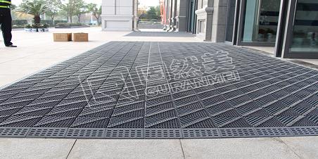 深度剖析三合一地垫的除尘防滑结构