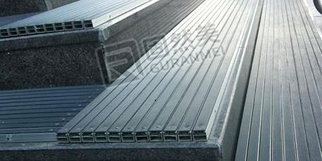 橡胶铝合金地垫制作中的特殊工艺