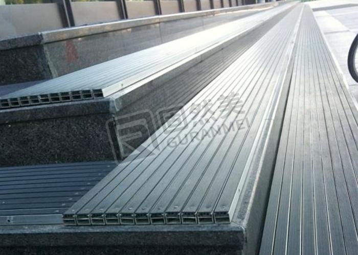 台阶铝合金地垫